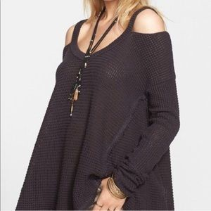 new ▪️Moonshine VNeck Sweater